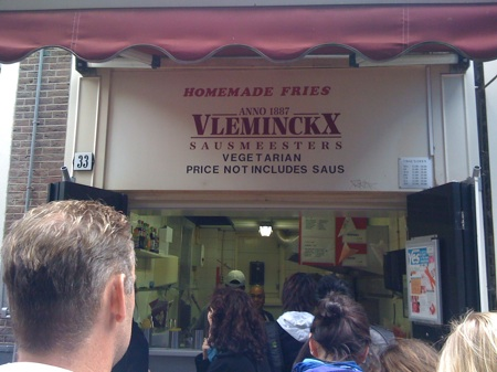 vleminckx french fries amsterdam - hole-in-the-wall